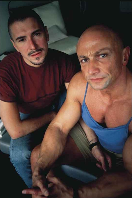 nan-goldin-gilles-gotscho-at-home-paris-photographs-cibachrome-zoom_550_827.jpg